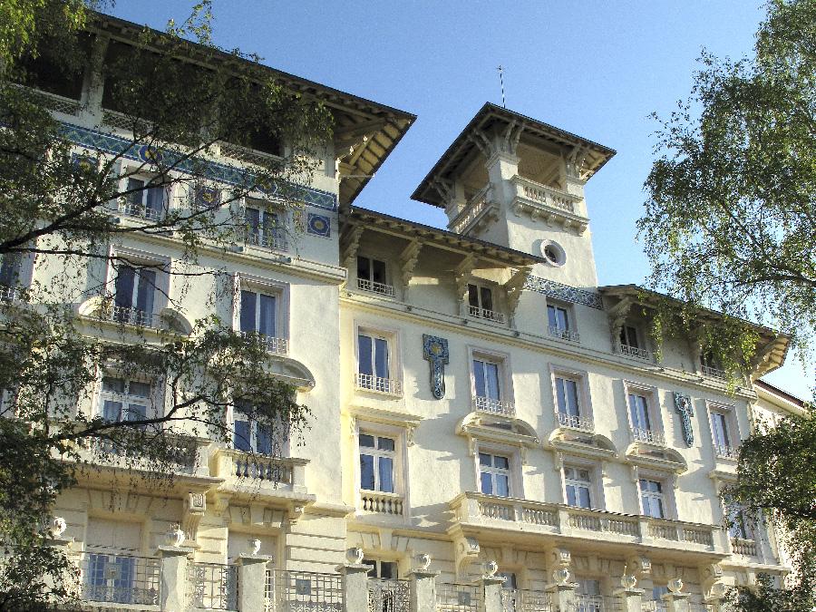 Façade de l'Hotel le Splendid Châtel Guyon