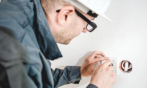 Popinns recrute électricien de bâtiment